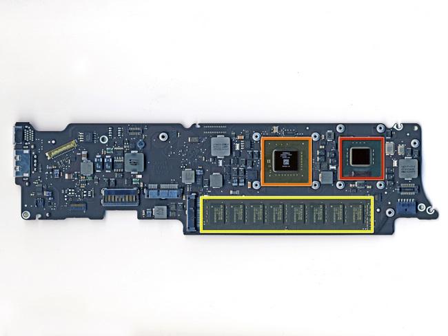 11寸苹果 Macbook Air笔记本电脑的主板正面及芯片