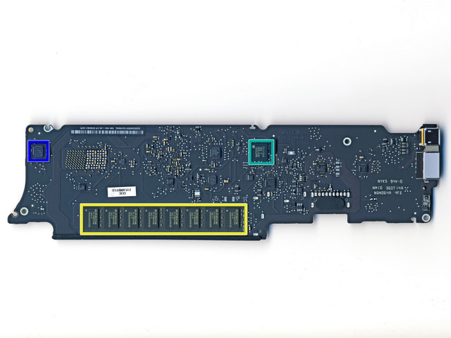 11寸苹果 Macbook Air笔记本电脑的主板背面特写
