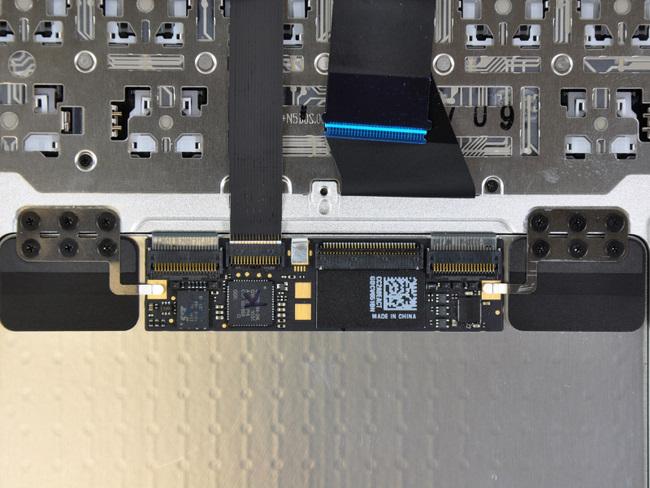 11寸苹果 Macbook Air笔记本电脑的多点触摸控制器